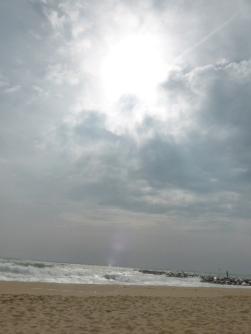Playa Mar Bella 11h dia 20.03.15 en pleno eclipse parcial de Sol